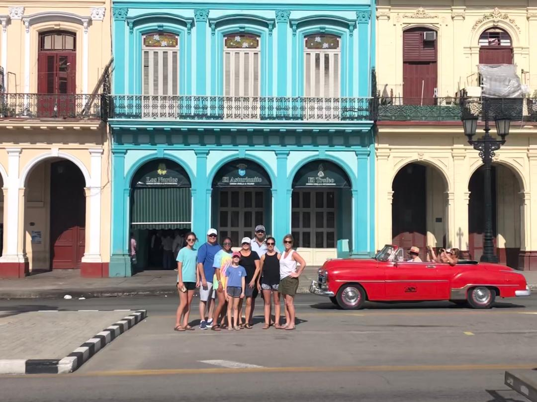 Can Americans Travel to Cuba? A 2019 Vacation Guide - Vintage cars tours